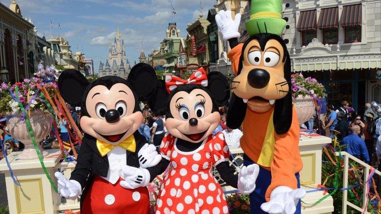 disney-world-mickey-mouse